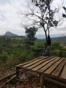 pemandangan alam yang indah di bukit madani